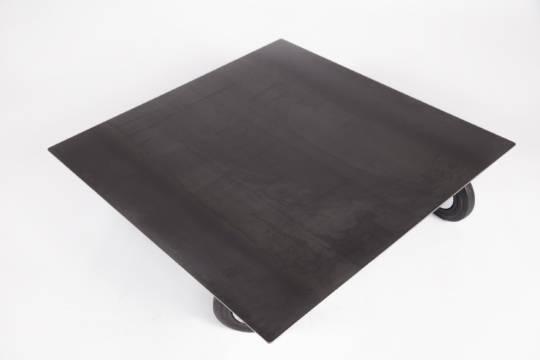 table basse en acier sur roulettes jeane origine metal. Black Bedroom Furniture Sets. Home Design Ideas