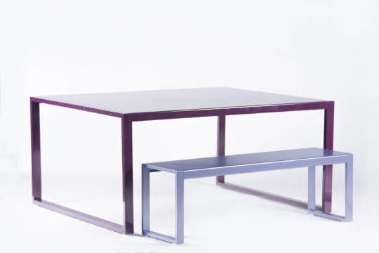 Table-haute-carree-en-aluminium-Yvonne-insitu